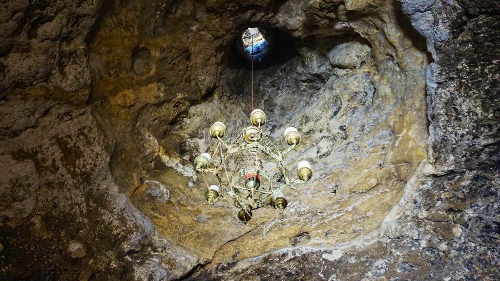 Martsalo slėnis Kretoje – pirmųjų krikščionių slėptuvė. Šviestuvas. Kreta, Graikija | Mano Kreta