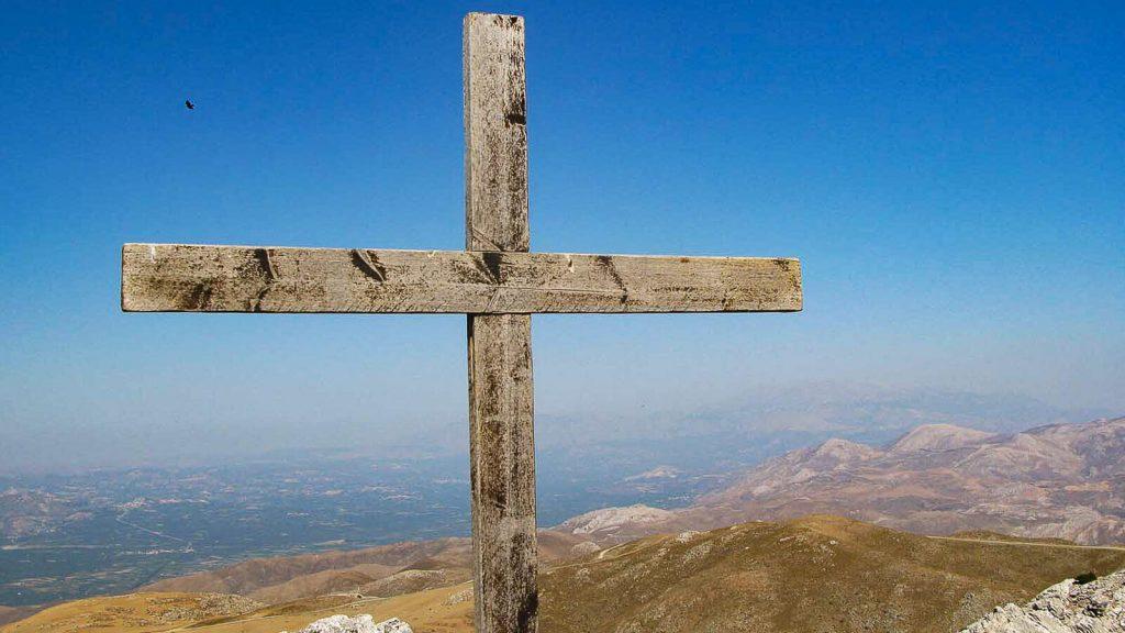 Timios Stavros ant Kofinas viršukalnės. Medinis kryžius. Kreta, Graikija   Mano Kreta