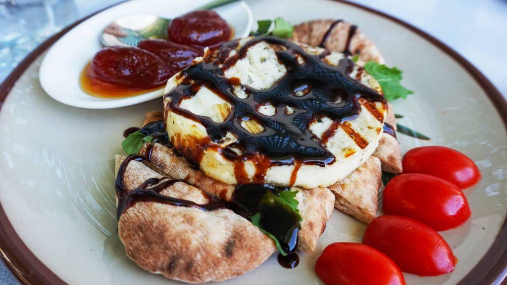 Talagani sūris su uogiene. Kreta, Graikija | Mano Kreta