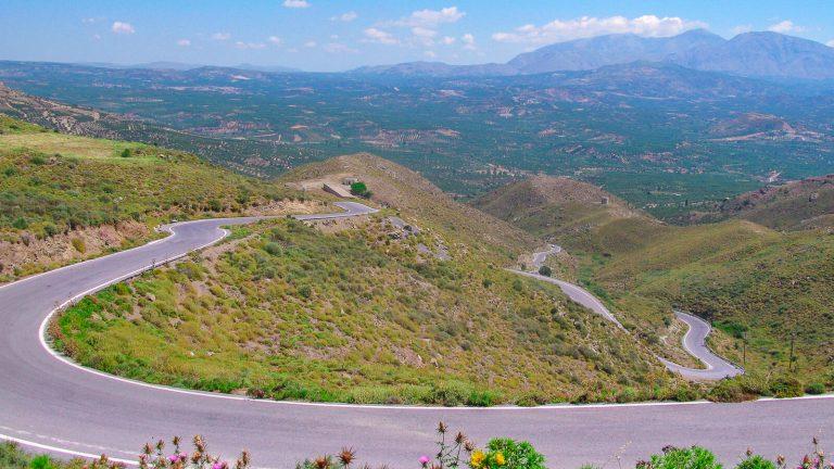 Automobilio nuoma Kretoje atveria duris įdomesniam salos pažinimui. Štai keletas patarimų tiems, kas sės prie vairo per atostogas Kretoje. Kreta, Graikija | Mano Kreta