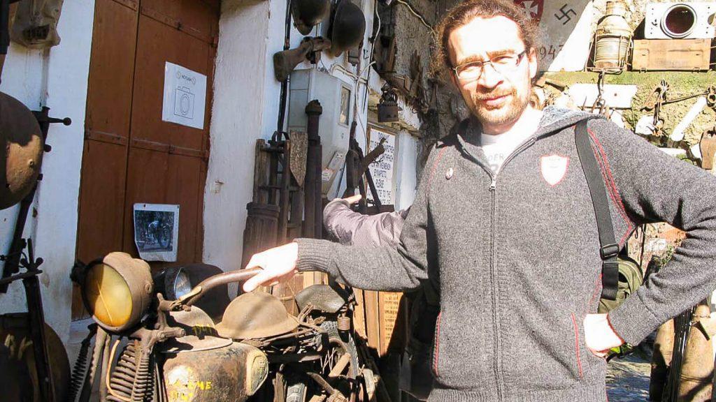 Karo muziejus – lauko ekspozicija, nacių motociklas. Kreta, Graikija   Mano Kreta
