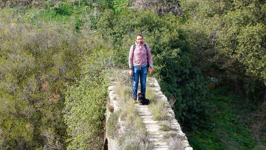 Abipus Karydaki akveduko. ant akveduko. Kreta, Graikija | Mano Kreta