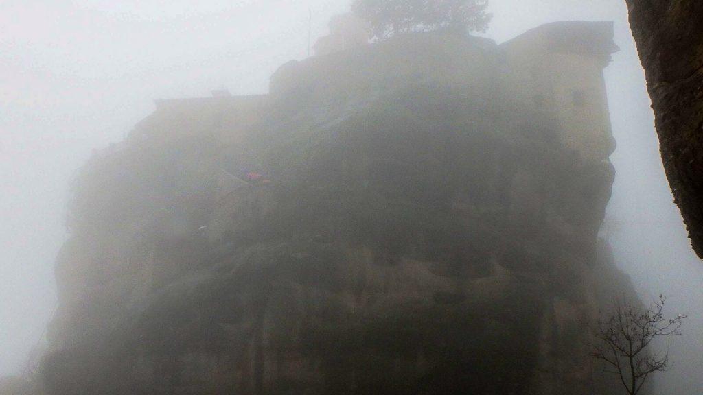 Kas skatina keliauti? – 6 dalis. STEBUKLO TROŠKIMAS. Meteora rūke. Kreta, Graikija   Mano Kreta