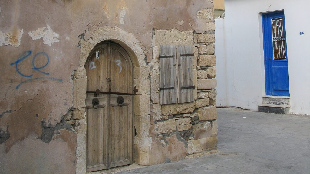 Napoleonas Kretoje. Prie namo numeris 9. Kreta, Graikija | Mano Kreta