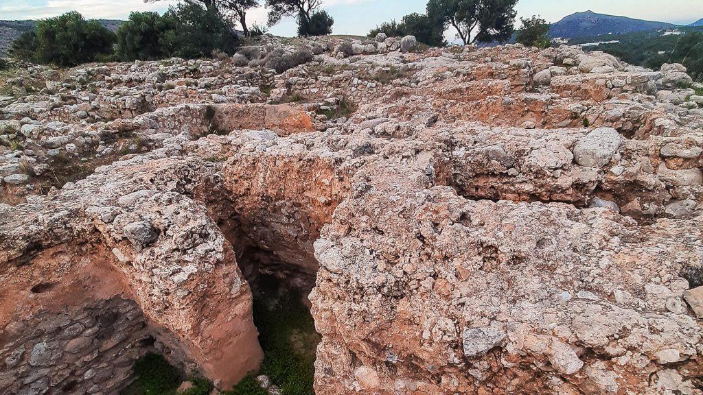 Čia gyveno prieš 4500 metų. Pastatų sienos. Kreta, Graikija | Mano Kreta