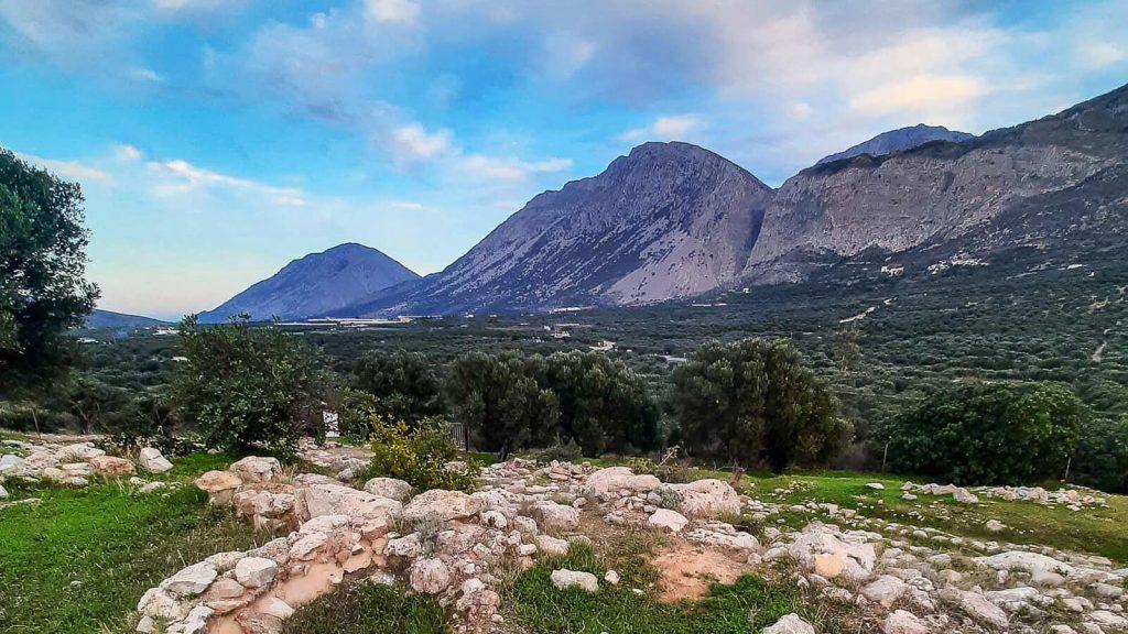Čia gyveno prieš 4500 metų. Vaizdas į Tripti kalnus. Kreta, Graikija | Mano Kreta