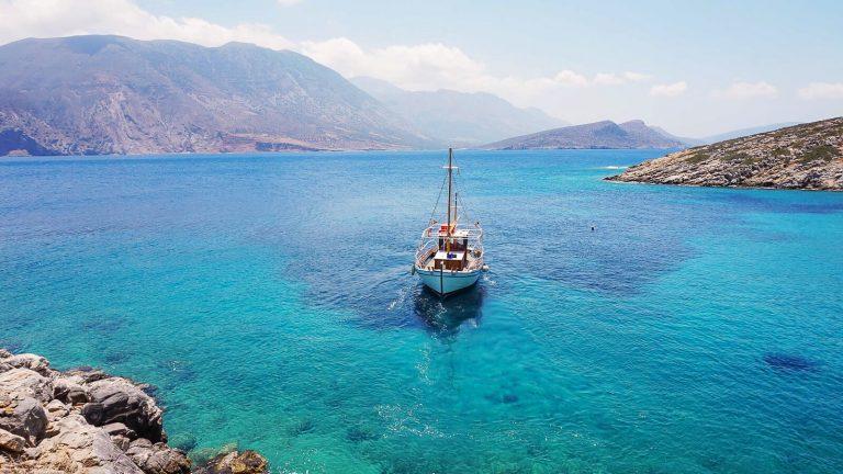 Krištoliniai Kretos jūros vandenys prie  Psiros salos. Kreta, Graikija | Mano Kreta