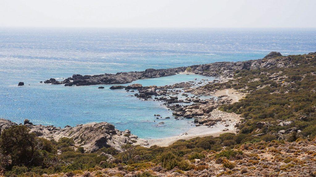 Viena: antikos griuvėsiai laukiniame Kretos paplūdimyje. Vienos paplūdimys iš aukštai. Kreta, Graikija | Mano Kreta