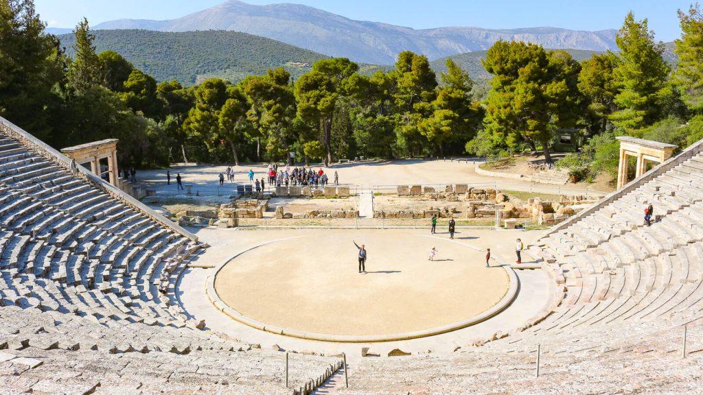 Atostogos Peloponese - V d. Epidauro archeologinė vietovė ir amfiteatras. Graikija | Mano Kreta