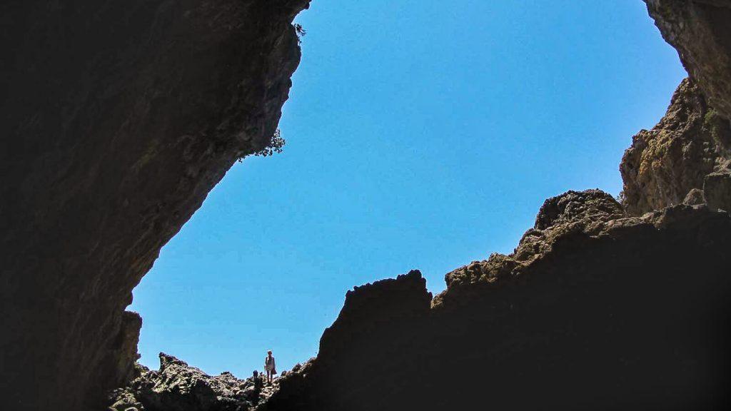 Iš Nidos į Kamares – su Audre ir Gintaru. Vaizdas iš urvo. Kreta, Graikija   Mano Kreta