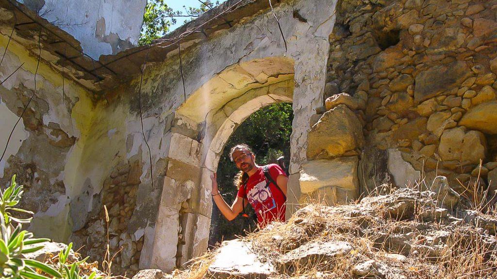Myli tarpeklis – karštai vasaros dienai. Pastatų detalės. Kreta, Graikija | Mano Kreta